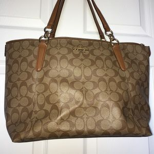 Coach Authentic bag tan